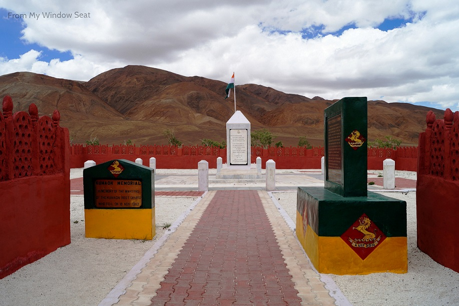 Rezang La, Rezang La Memorial, Ladakh, Jammu and Kashmir, Chushul, Chushul Valley, Indo-China War 1962, India, China, Road Trip, Pangong Tso, Khardung La, Highest Blogger Meet, #HighestBloggerMeet, #AageSeRight, Travel Blogger, Scout My Trip, OYO, OYOnauts